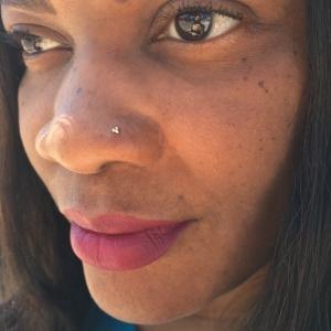 Naomi-Nostril-Tri-Bead-3bead-3-yellow-gold-Naomi-Piercer-Obelisk-Body-Piercing-Fine-Jewelry-Renton-Washington